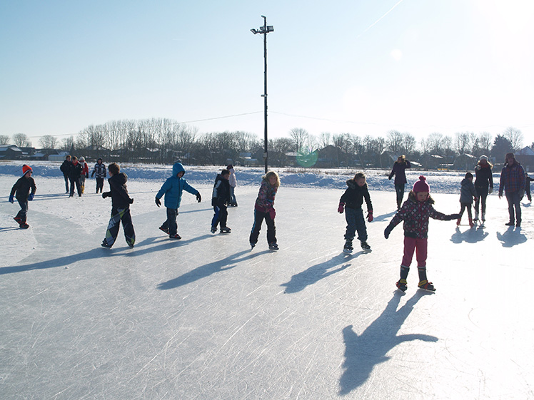 schaatsen op de ijsbaan Volharding Oudkarspel