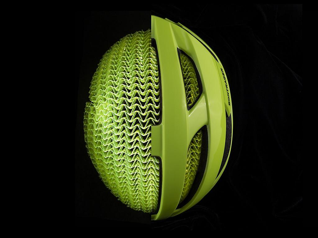 WaveCel is een comprimeerbare celstructuur aan de binnenzijde van je Bontrager-helm